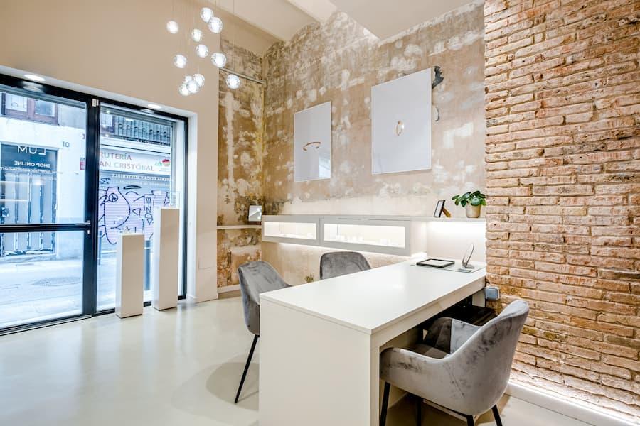 Diseño y construcción de la joyería LUM en Gràcia